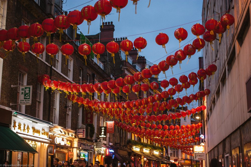 Chinatown at dark. I loooooove the red lanterns!