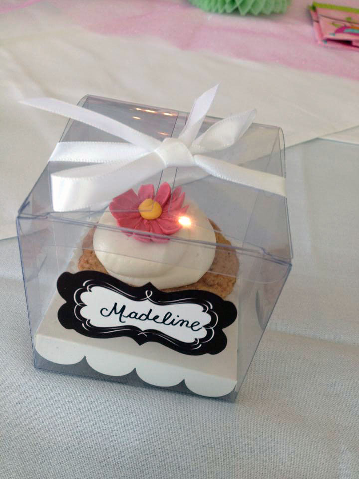 Customized cupcake favors designed by Sarah Linzy.