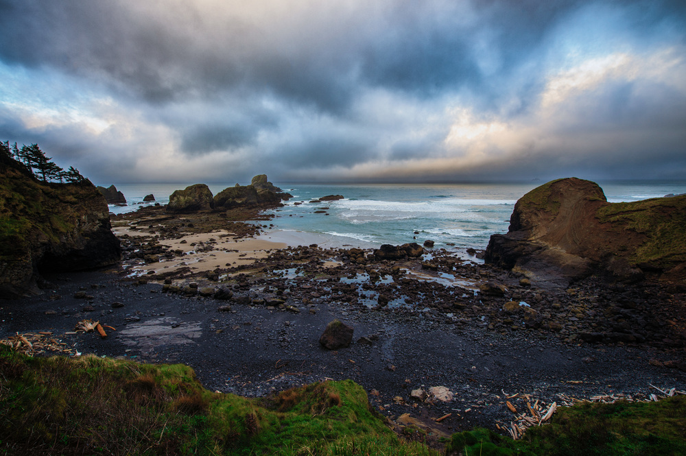 Ecola Point Rock. Nikon D4S, 14-24mm @ 14mm. 1/60 @ f9, ISO 200.