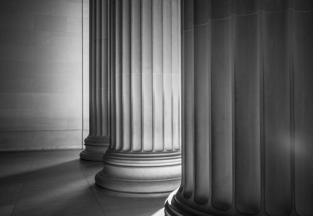 Composition wise, this photograph taken at the Lincoln Memorial sums up this blog post in one photograph. Fujifilm X100S, 1/30 @ f8, ISO 400.