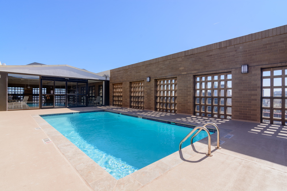 Topside pool