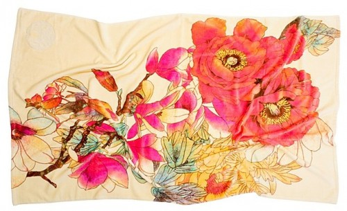 natori-bloom-beach-towel-via-courtney-khail1-e13520777164391