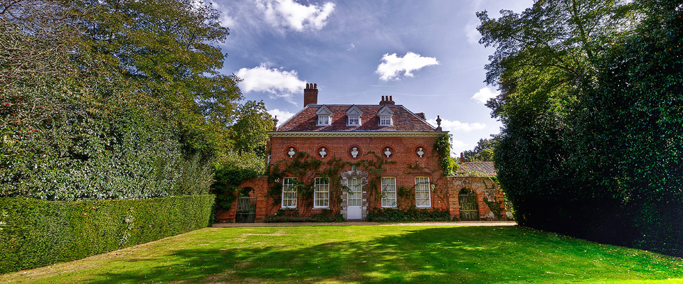 photo curtesy of http://westgreenhouseopera.co.uk/