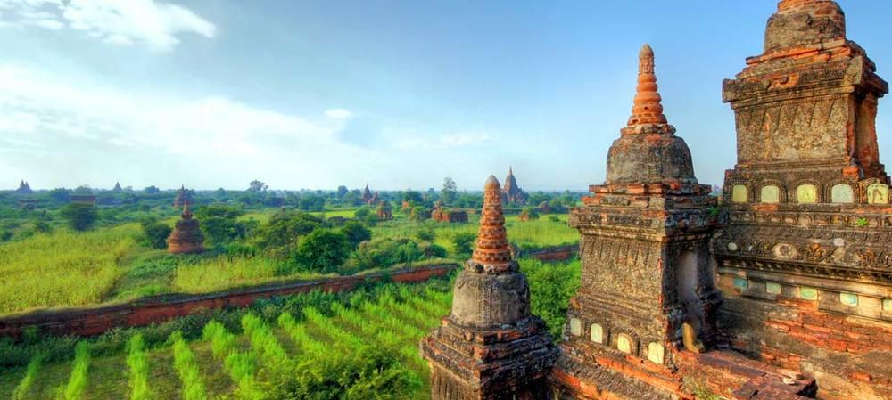 Myanmar-Mandalay-Bagan-Temple-Landscape-(1024x460).jpg