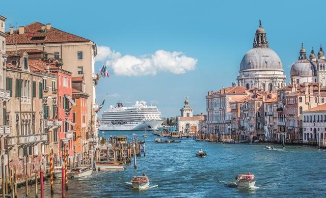 STAR_Venice_Canal.jpg