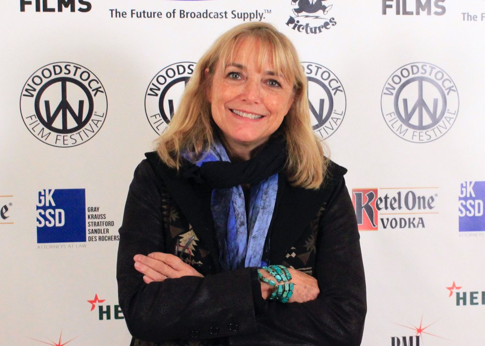 Karen Allen (Raiders of the Lost Ark) accepted the Carpe Diem Andretta Award for Year by the Sea.