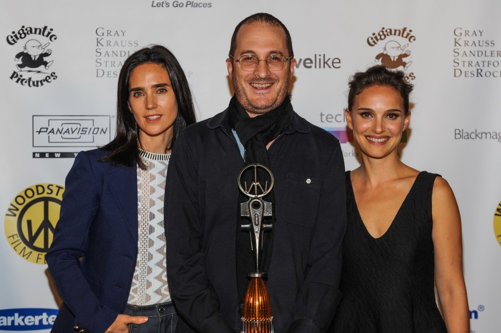 Darren Aronofsky with Jennifer Connelly and Natalie Portman at the 2014 Woodstock Film Festival Maverick Awards.