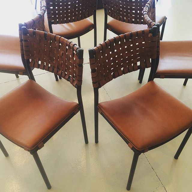 Take a seat #lovingleather #vintage #chairs #interiordesign #finds #ilovemyjob