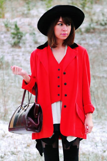 red+jkt+red+vest_05a_1000.jpg