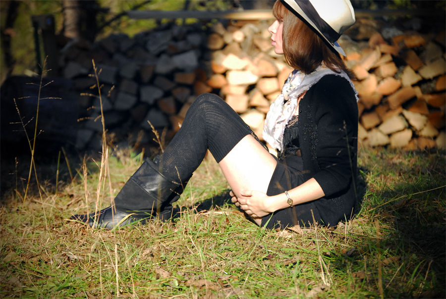 black+and+scarf_07.jpg