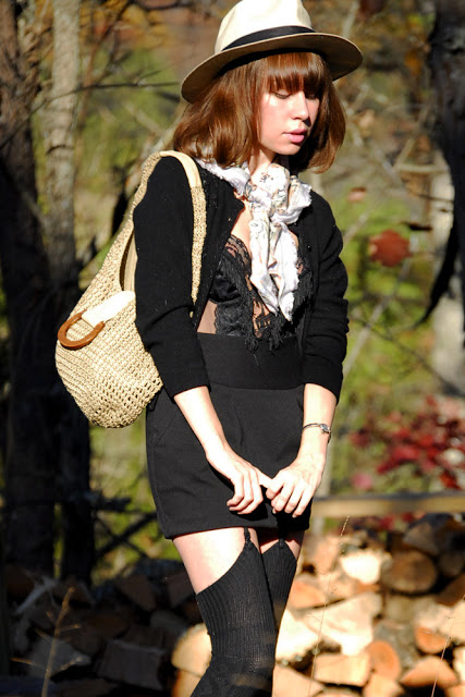 black+and+scarf_06.jpg