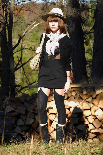 black+and+scarf_03.jpg