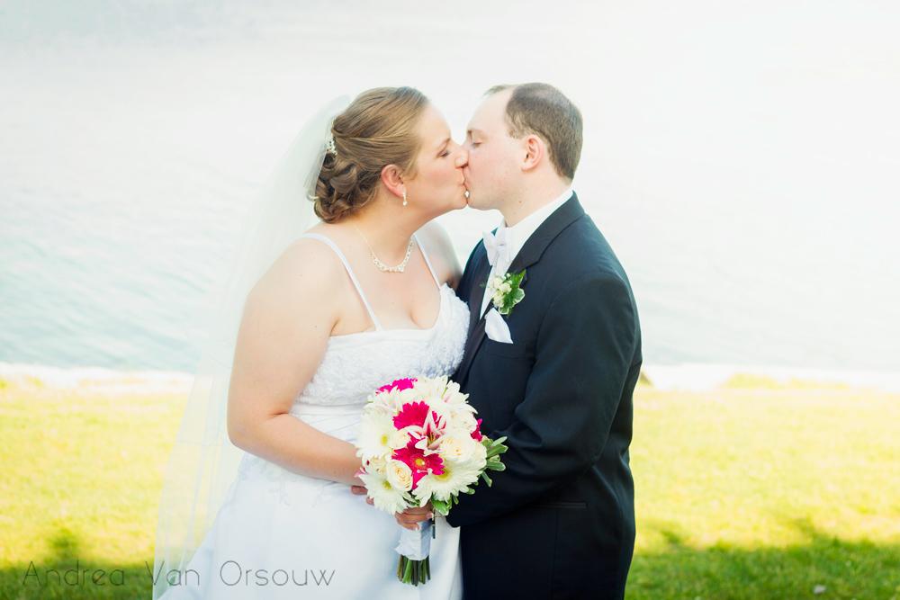 weddingcouplewithbouquet.jpg