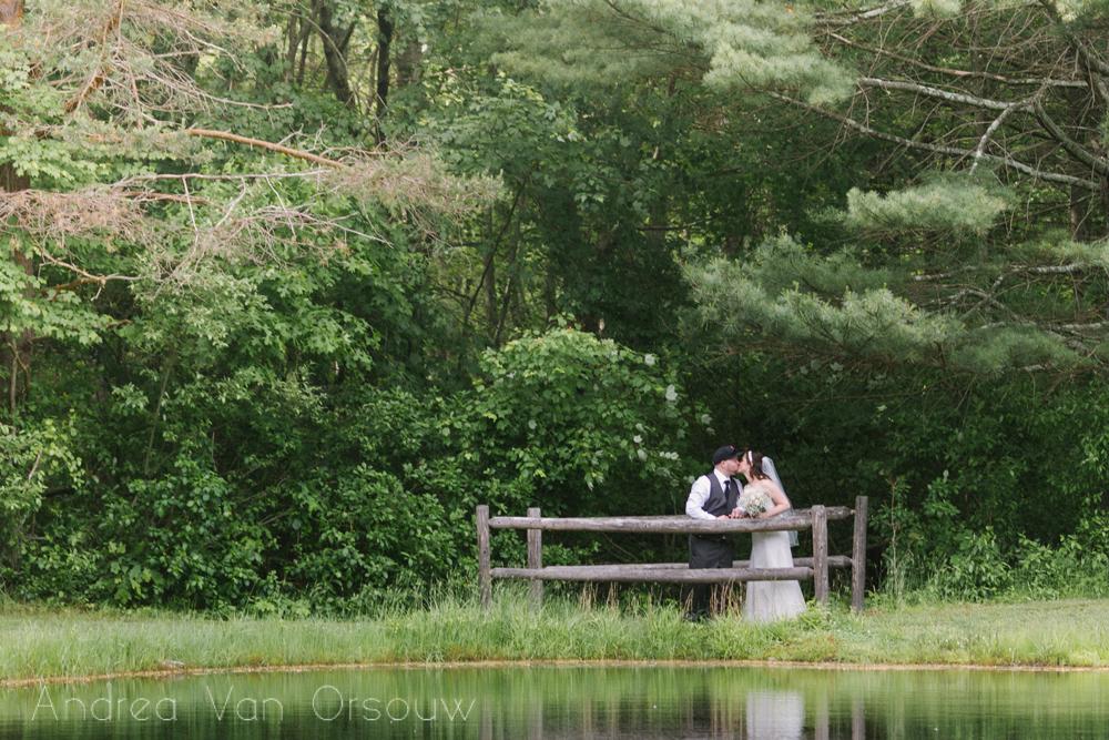 wedding_couple_kiss_reflection.jpg