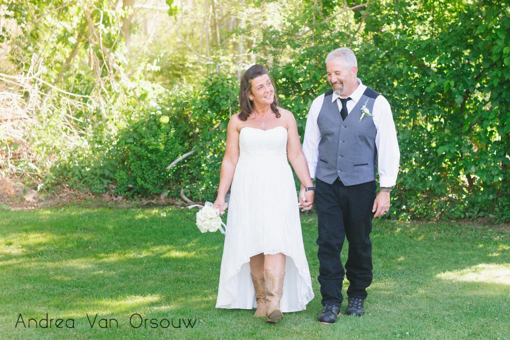 country_couple_wedding.jpg