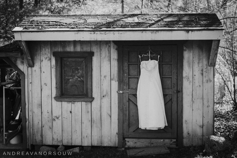 rustic_wedding_dress_davids_bridal_gown_connecticut_new_england_wedding_photographer.jpg