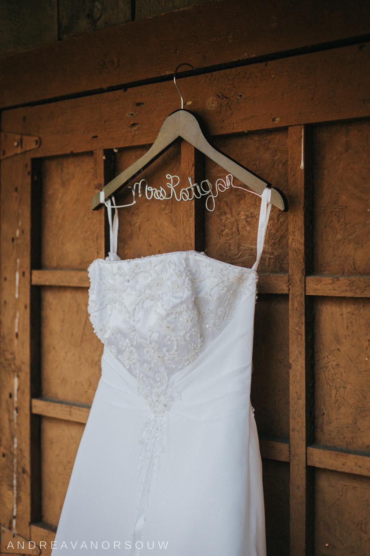 wedding_dress_details_mrs_hanger_rustic_barn_wedding_connecticut_rhode_island_photographer.jpg