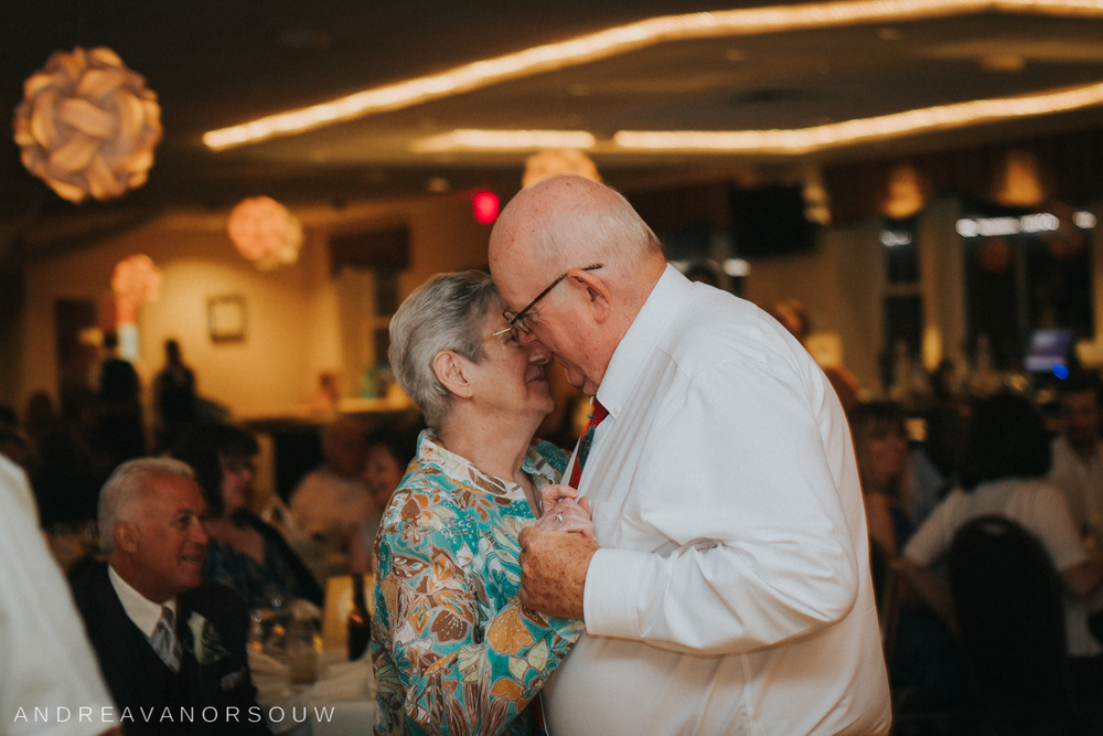 older_couple_dancing_sweet_wedding.jpg