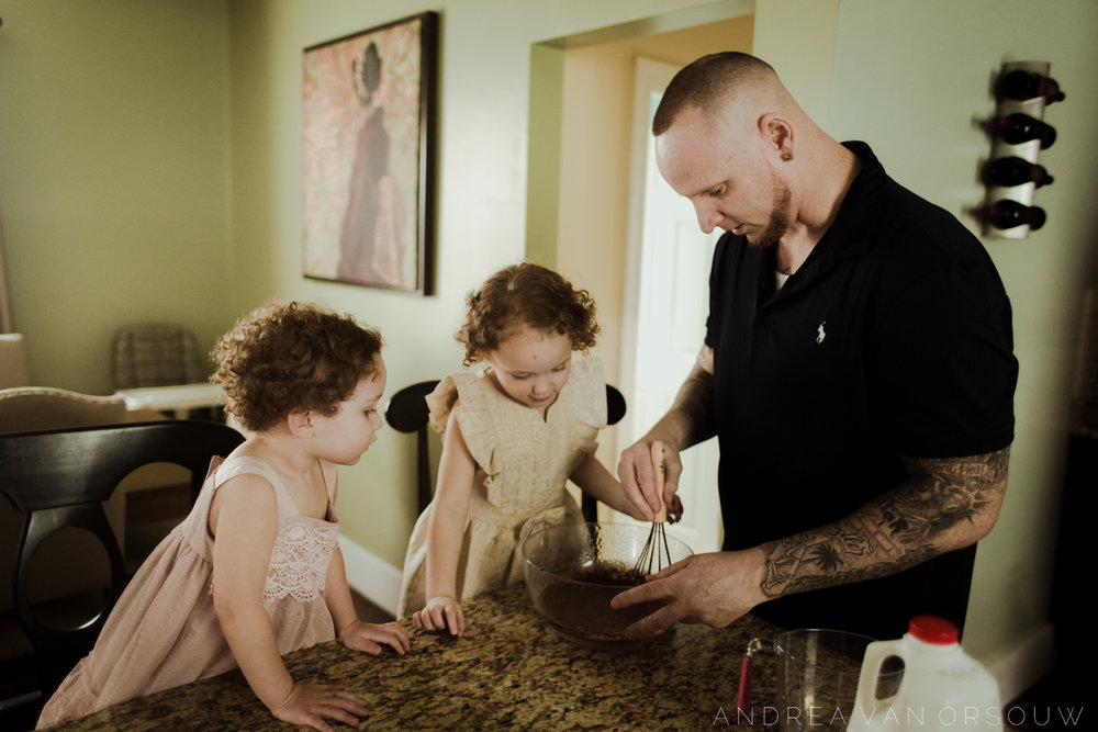 baking_cookies_lifestyle_family_session_in_providence_rhode_island_new_england_photographer.jpg