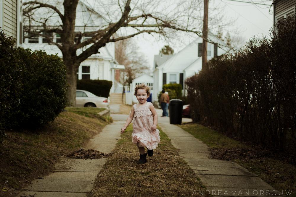 running_playing_outside_childhood_providence_rhode_island_lifestyle_photographer.jpg