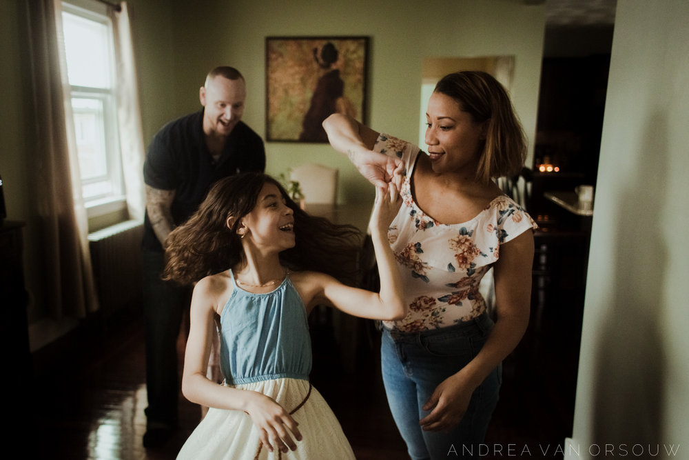 dancing_spinning_music_fun_session_family_new_england_connecticut_rhode_island_massachusetts_photographer.jpg
