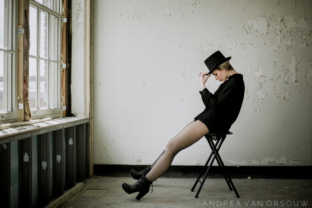 retro_steampunk_black_and_white_alternative_top_hat_photo_session_photography_connecticut_rhode_island_massachusetts_new_england_photographer.jpg