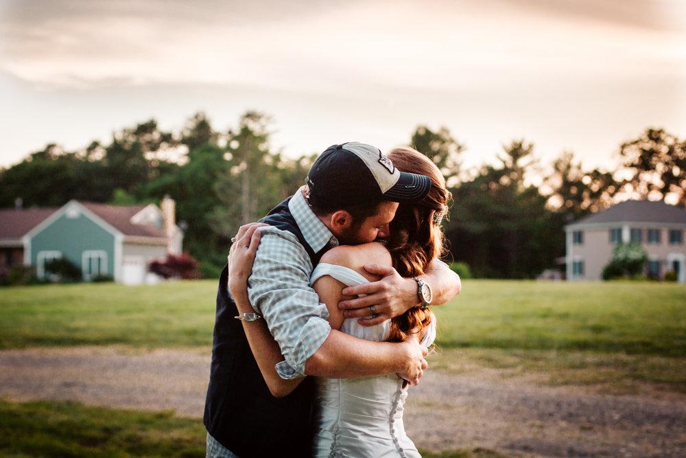 embrace-photography-wedding-laid-back-relaxed-summer-marriage-couple-boston-wedding-photography-new-england-photographer.jpg
