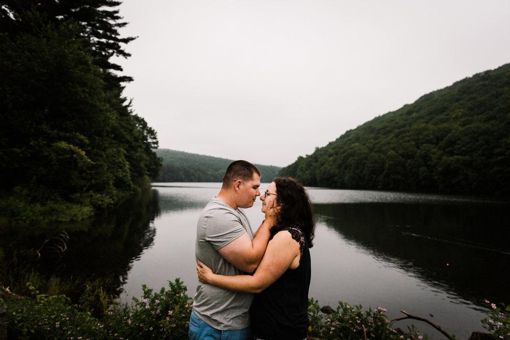 new-england-meriden-engagement-session-connecticut-rhode-island-massachusetts-wedding-photographer-photography.jpg