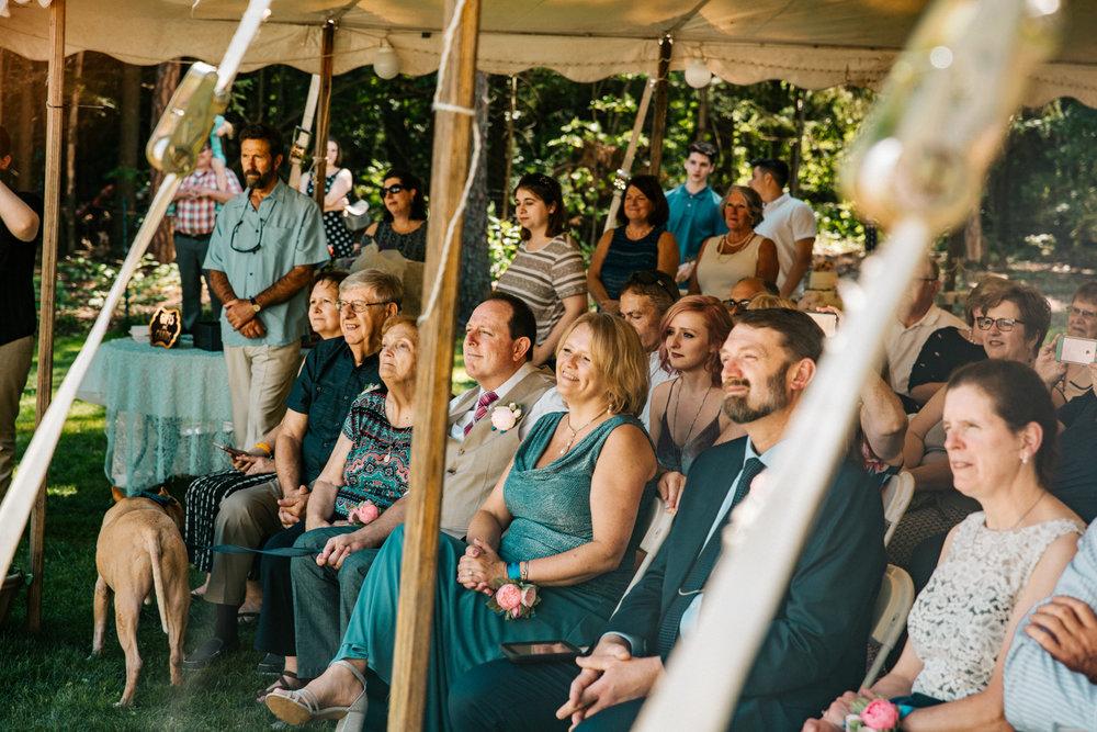 guests-wedding-ct-ri-ma-new-england-wedding-photography.jpg