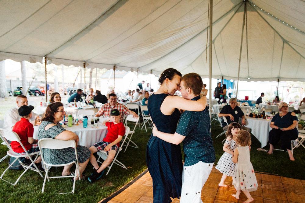 granby-rhode-island-connecticut-new-england-backyard-wedding.jpg