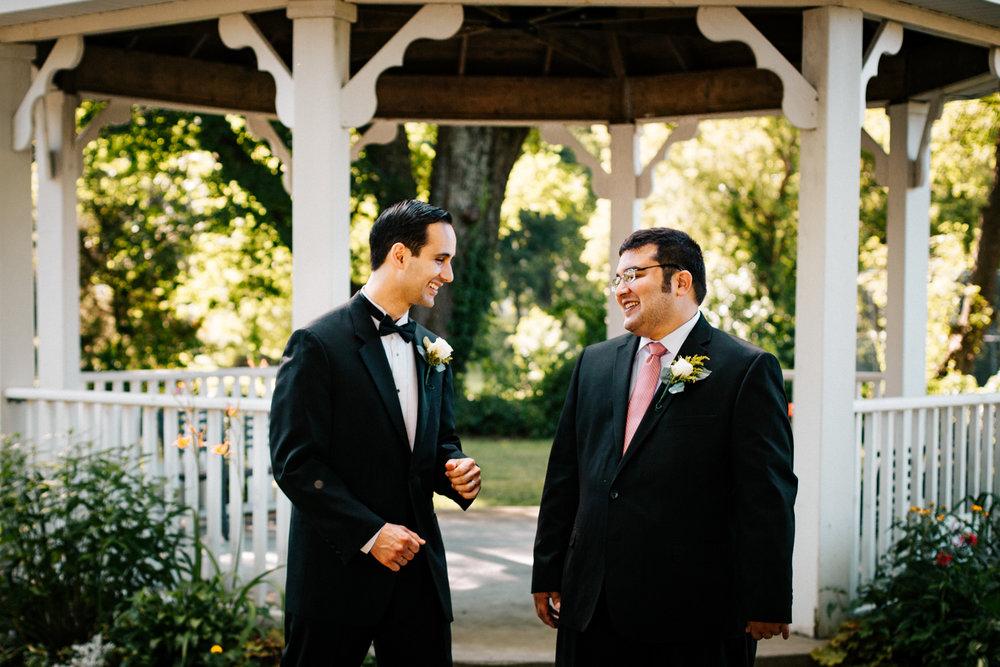 groomsmen-bridal-party-boston-documentary-casual-wedding-photography-photographer-ma-ri-ct.jpg