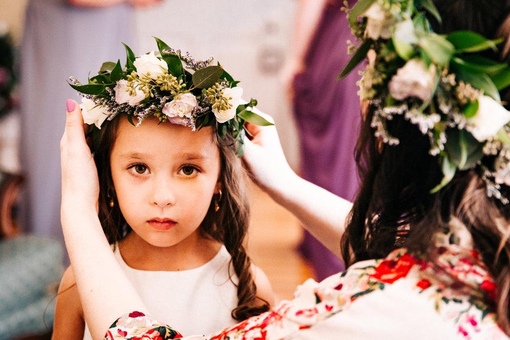 flower-girl-crown-new-england-wedding-gwyn-careg-inn-pomfret-connecticut-rhode-island-massachusetts.jpg