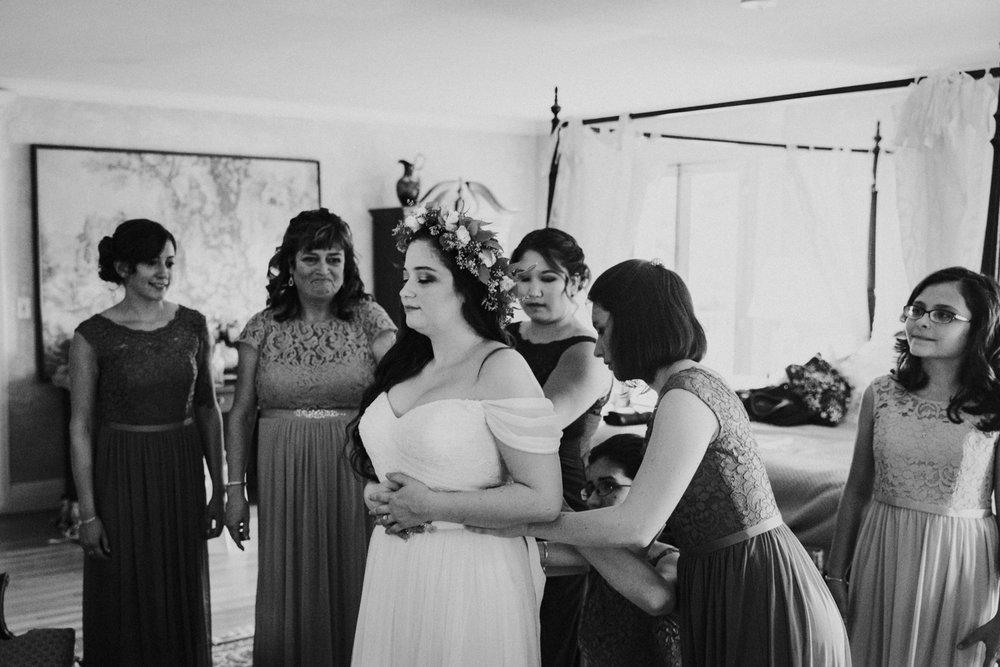 bride-dress-wedding-gwyn-careg-inn-connecticut-new-england-pomfret-ri-ma.jpg