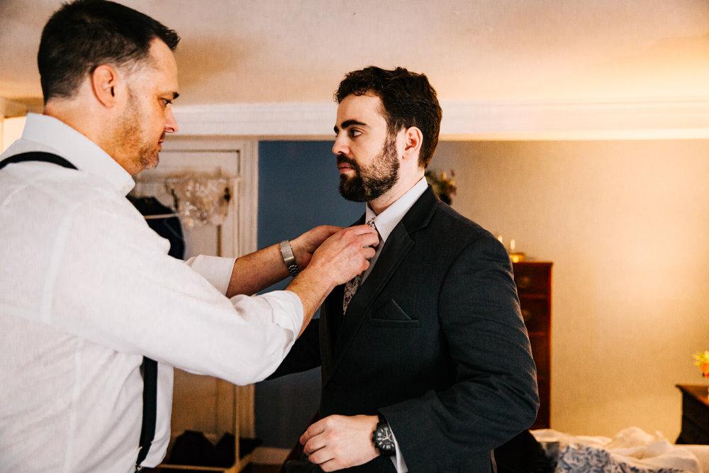 gwyn-careg-inn-pomfret-ct-ri-ma-wedding-new-england-groom.jpg