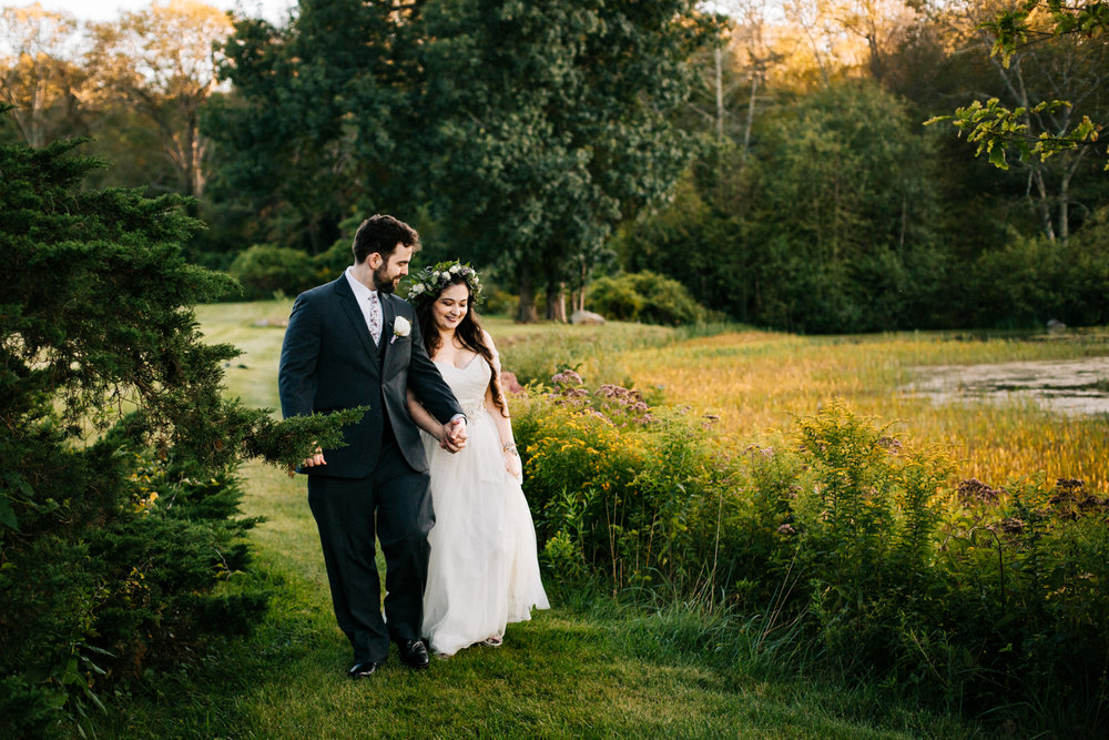 gwyn-careg-inn-wedding-pomfret-connecticut-hartford-massachusetts-ri-boston-wedding-photographer.jpg
