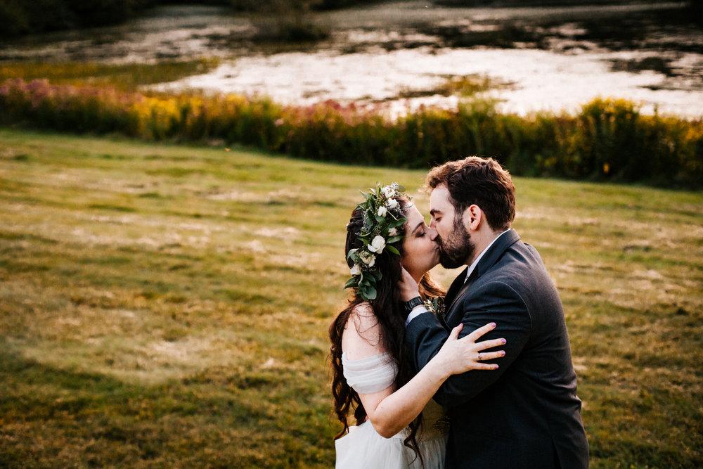 boston-wedding-photographer-gwyn-careg-inn-pomfret-ct.jpg
