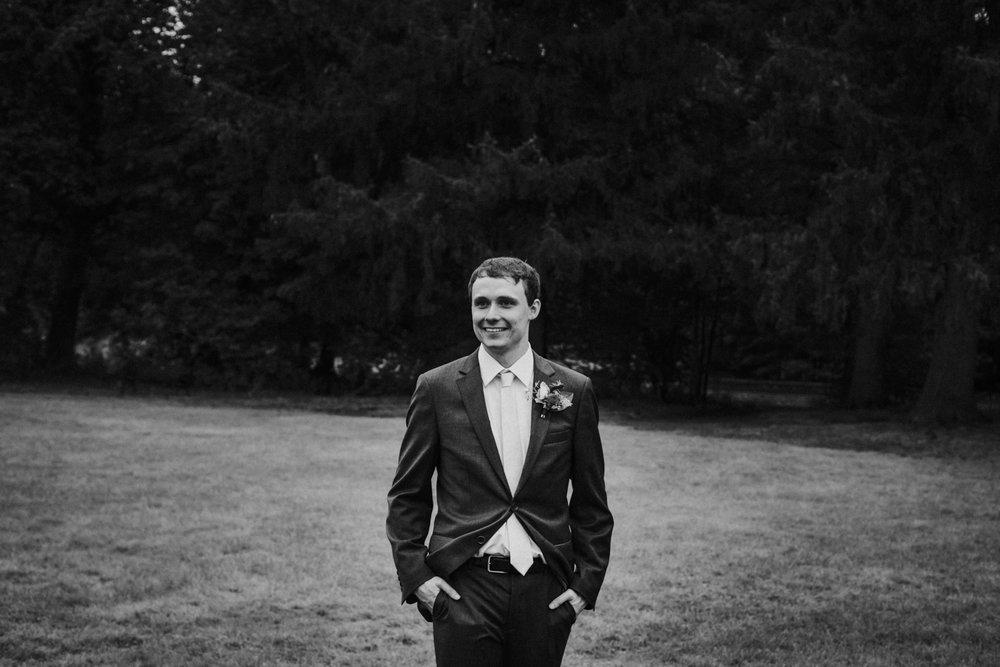 groom-west-hartford-garden-rose-wedding-new-england-ma-ri-ct-boston-wedding-fall-autumn-photographer.jpg