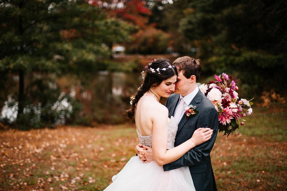 fall-autumn-wedding-boston-photographer-hartford-elizabeth-park-rose-garden-wedding-new-england.jpg