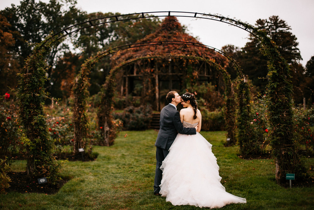 boston-wedding-photographer-new-engaldn-elizabeth-park-ct-autumn-fall.jpg