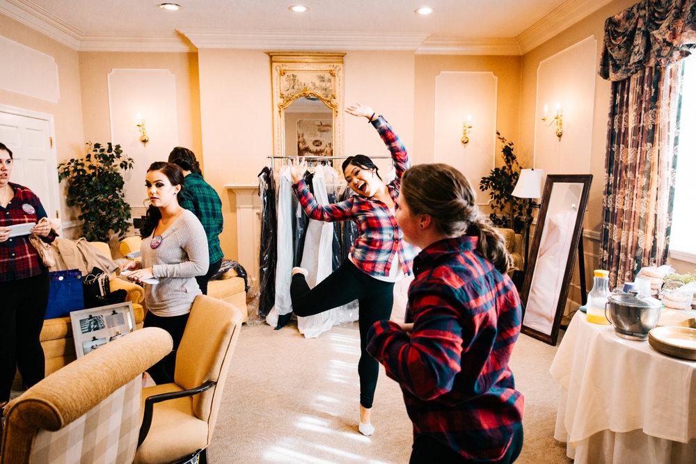 rhode-island-destination-wedding-photographer-elopement-wannamoisett-country-club-boston-natural-fun-relaxed.jpg
