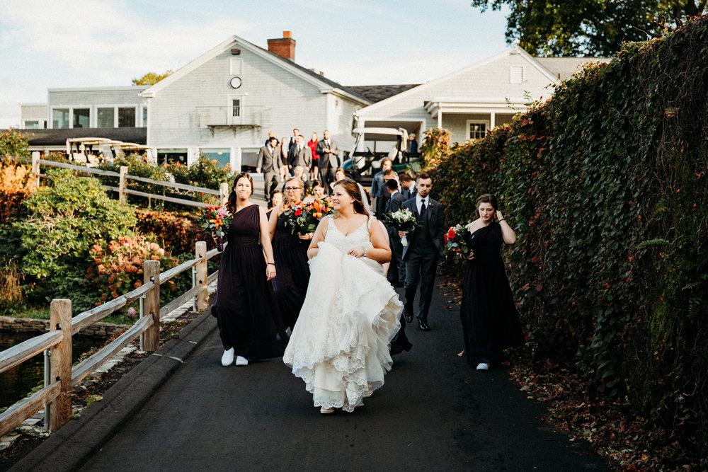 bridal-party-wannamoisett-country-club-photos-destination-wedding-photographer-austin-texas-rhode-island-new-england-elopement-photography.jpg
