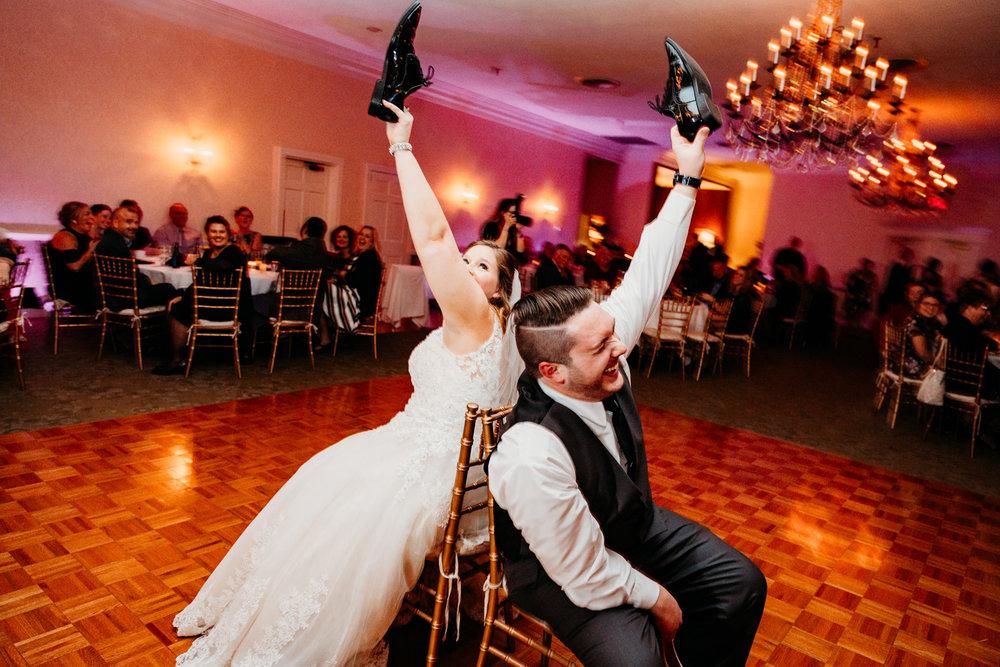 shoe-game-wedding-wannamoisett-country-club-rhode-island-boston-adventure-destination-photographer.jpg