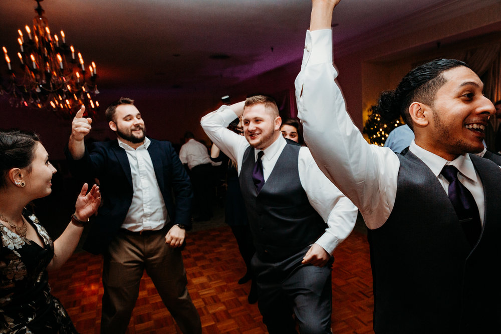 dancing-wannamoisett-country-club-rhode-island-new-england-photographer.jpg