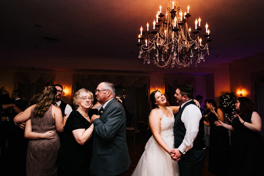 wannamoisett-country-club-rhode-island-wedding-photographer.jpg