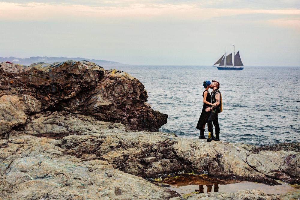 rhode-island-engagement-session-new-england-adventure-wedding-photographer.jpg