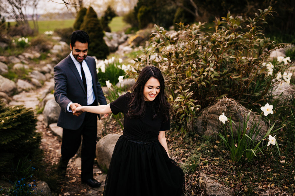 garden-engagement-session-harkness-memorial-park.jpg