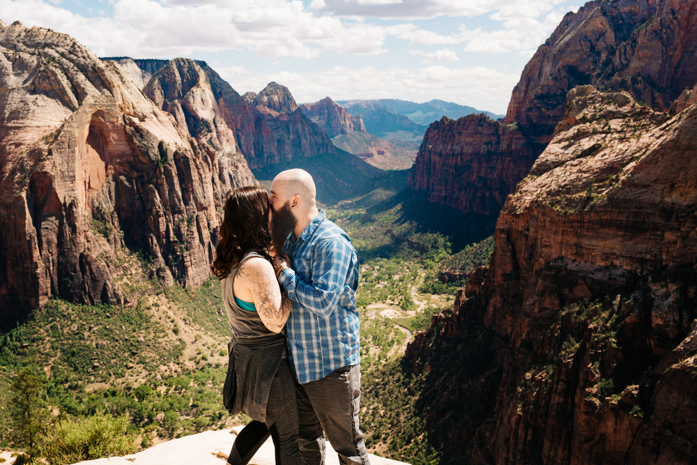adventure-photographer-zion-national-park-angels-landing-engagement-andrea-van-orsouw-photography.jpg