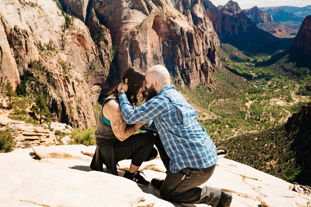 andrea-van-orsouw-photography-adventure-photographer-angels-landing-proposal-utah.jpg