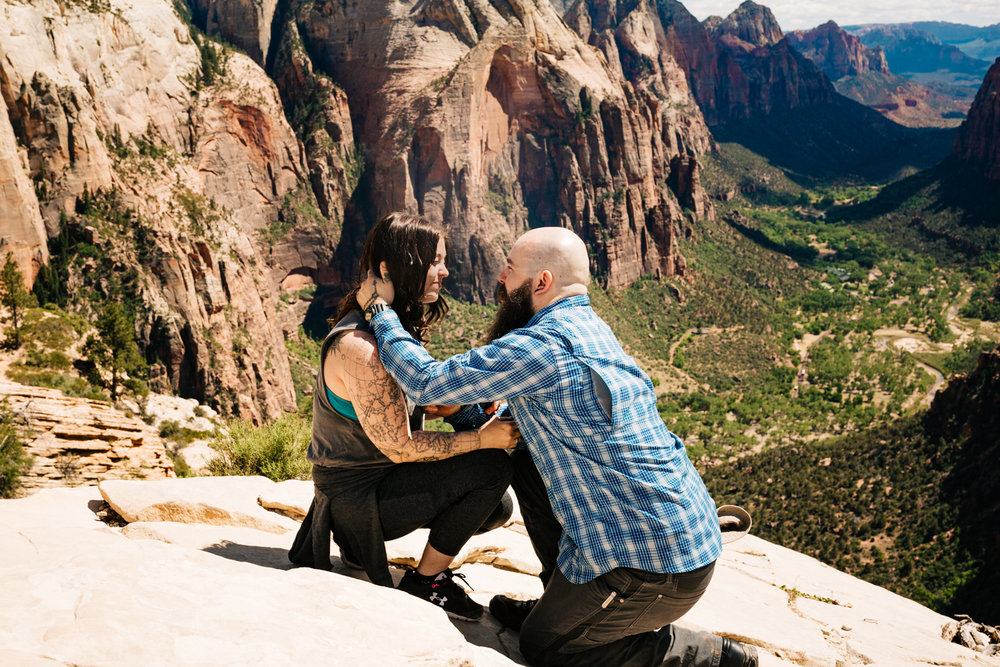 zion-national-park-utah-engagement-andrea-van-orsouw-photography-adventure-sessions.jpg