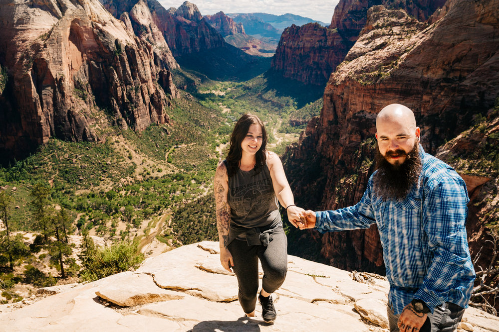 zion-national-park-proposal-engagement-utah-adventure-photographer-andrea-van-orsouw-photography.jpg
